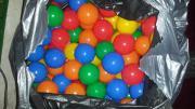 Plastik Spielbälle