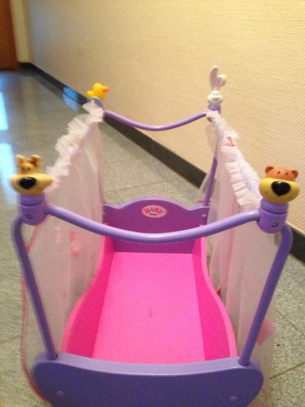 baby born puppenbett kaufen gebraucht und g nstig. Black Bedroom Furniture Sets. Home Design Ideas