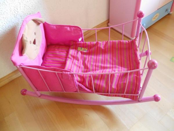 puppenwiege f r baby born sehr guter zustand nr hh in. Black Bedroom Furniture Sets. Home Design Ideas