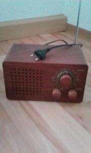 Radio zu verkaufen.