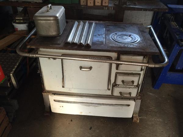 roeder k chenherd mit holz beheizt relingherd in bad sch nborn k chenherde grill. Black Bedroom Furniture Sets. Home Design Ideas