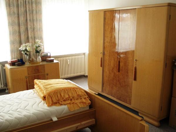 Schlafzimmer Massivholz 1955 in Riesa - Schränke, Sonstige ...