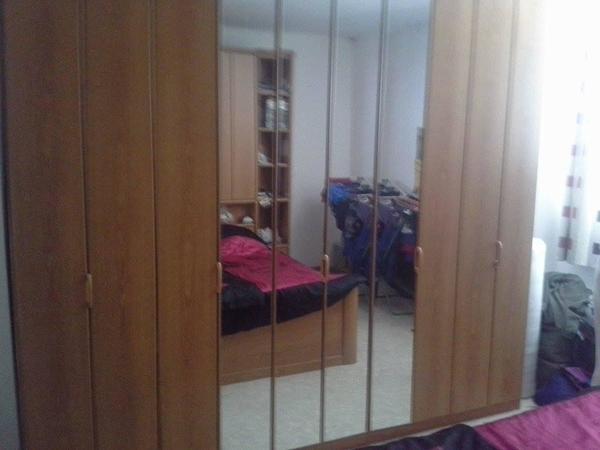 Schlafzimmer zu verkaufen in Neumarkt am Wallersee - Schränke ...