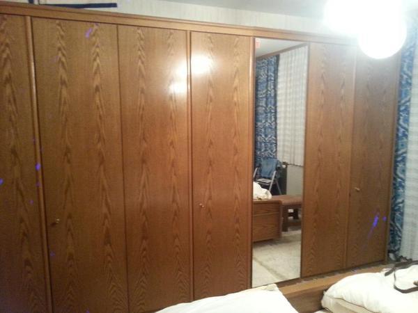schrankwand schlafzimmer l h sehr guter zustand echt holz gepflegt massiv. Black Bedroom Furniture Sets. Home Design Ideas
