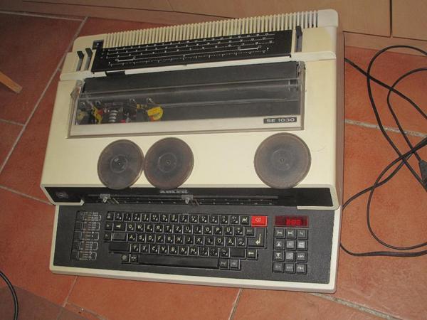 kuchenmobel zu verschenken nurnberg : Schreibmaschine, elektrisch, zu ? B?romaschinen, B?roger?te