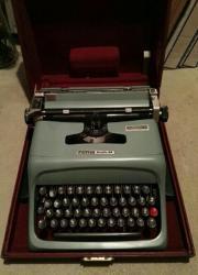Schreibmaschine Olivetti Studio