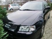 Schwarzer Audi A3