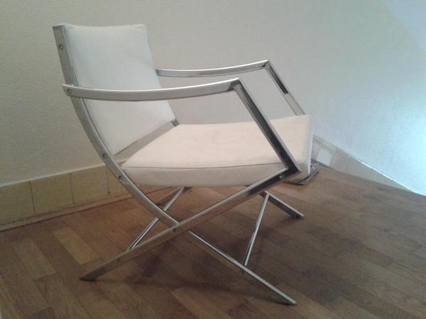 Sessel mit hocker von laren in m nchen designerm bel for Kleiner sessel mit hocker