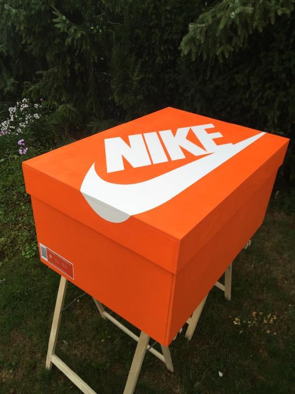 sneakerbox schuhschrank nike jordan louboutin in kall schuhe stiefel kaufen und verkaufen. Black Bedroom Furniture Sets. Home Design Ideas