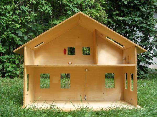 puppenhaus holz kleinanzeigen. Black Bedroom Furniture Sets. Home Design Ideas