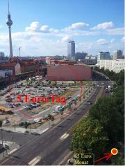 Stellplatz. Hinter ALEXA