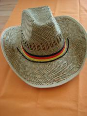 Strohhut mit Deutschlandfarben