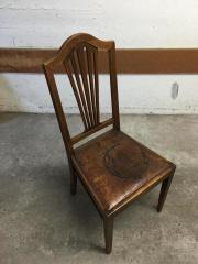 Stühle mit Tisch