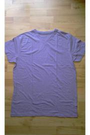 T-Shirt lila pastellfarben V-Ausschnitt Regular Fit Gr. L gebraucht kaufen  Beerfelden