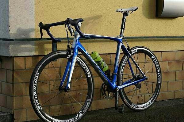Gebraucht, Trek Madone 5,5 mit Bontrager 5.0 Carbon Laufrädern RH58 gebraucht kaufen  20097 Hamburg