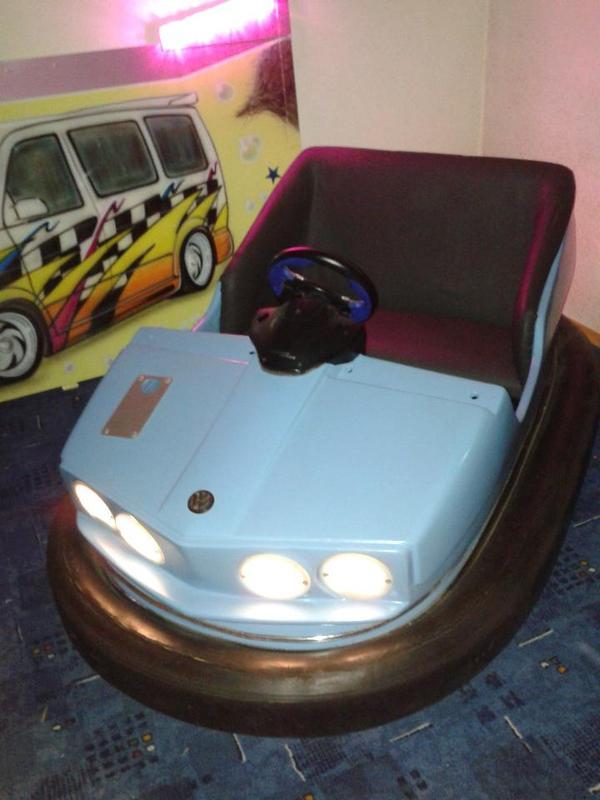 verkaufe original autoscooter auto ihle boxauto kirmes mit. Black Bedroom Furniture Sets. Home Design Ideas