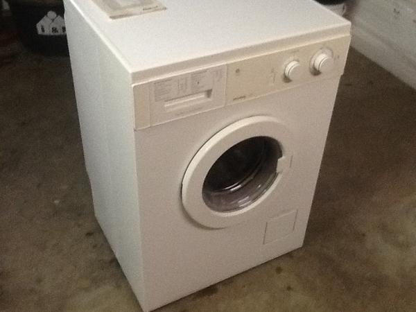 waschmaschine privileg 100c in leichlingen waschmaschinen kaufen und verkaufen ber private. Black Bedroom Furniture Sets. Home Design Ideas