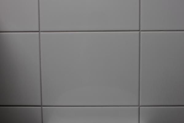 weisse fliesen 25x33 cm glanz in hemsbach fliesen keramik ziegel kaufen und verkaufen ber. Black Bedroom Furniture Sets. Home Design Ideas