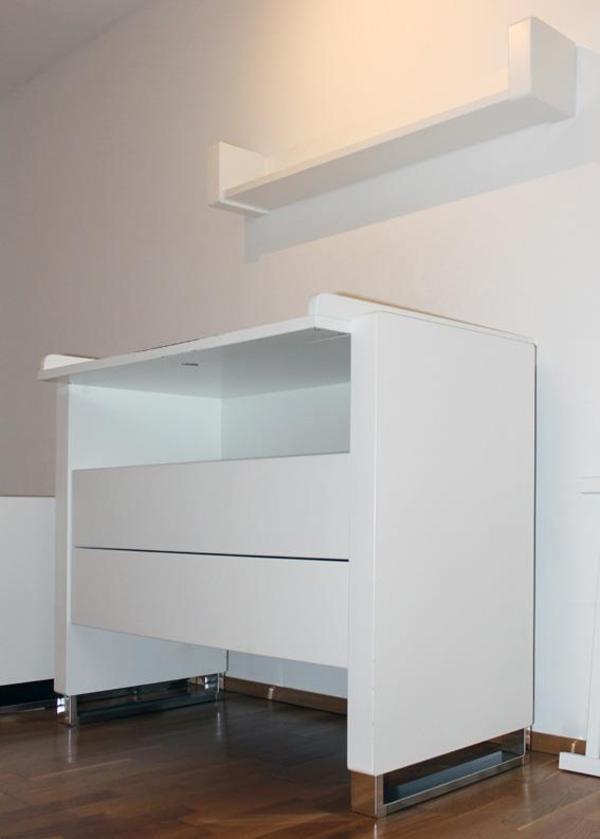 wickelkommode mit wandregal gitterbett umbauf hig in dornbirn wickeltische kaufen und. Black Bedroom Furniture Sets. Home Design Ideas