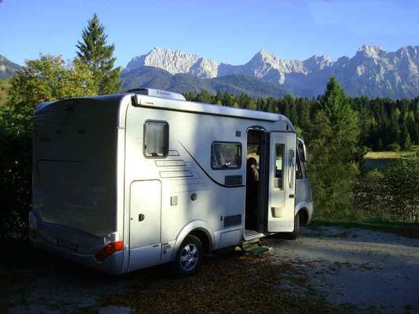 hymer wohnmobile hymer wohnmobil uf der a61 bei. Black Bedroom Furniture Sets. Home Design Ideas