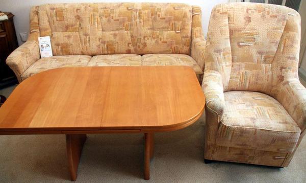 wohnzimmergarnitur tisch kombilift sofa 3 sitzer und 1 komfortsessel mit rollen in. Black Bedroom Furniture Sets. Home Design Ideas
