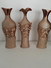 Wunderschöne goldene Vasen
