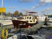 Zuverlässiges Kajütboot mit