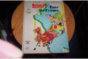 2 ältere Asterix Bände von