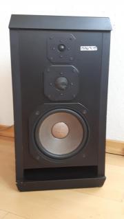 2 MAGNUM Lautsprecherboxen