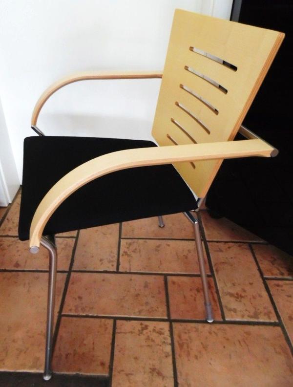 Esszimmerstühle designermöbel  4 neuwertige Esszimmerstühle Ahornholz und schwarzes Sitzpolster ...
