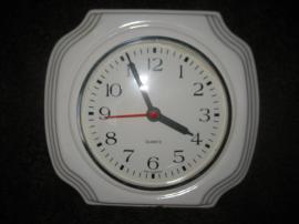 Bild 4 - ältere Wanduhr Küchenuhr Porzellanuhr Uhr - Birkenheide Feuerberg