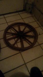 Altes Wagenrad aus