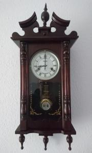 Antike Pendel Uhr
