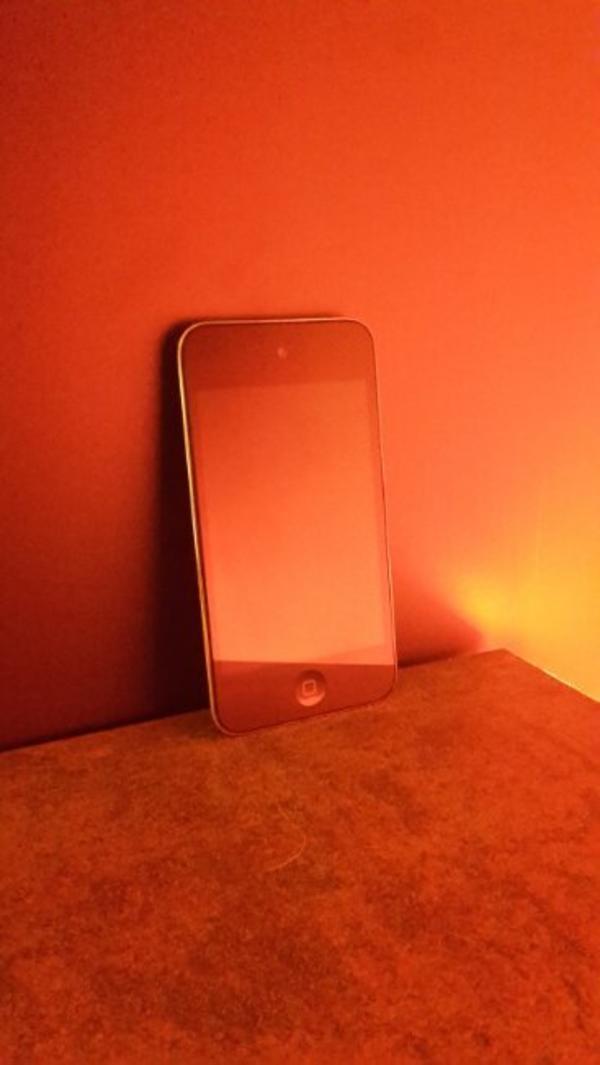 ipod touch 4 8gb gebraucht kaufen nur 4 st bis 70. Black Bedroom Furniture Sets. Home Design Ideas