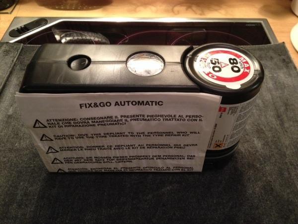 Autoreifen-Reparaturkit Fix & Go Automatik - Starnberg - Fix & Go Automatik Pannenset für Autoreifen inkl. Dichtmittel ( Ablauf 2009 ) neu unbenutzt, Kompressor 12 V über Zigarettenanzünder, Beschreibung Porto 5 Euro - Starnberg