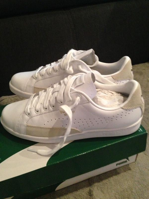 Biete neue weiße Puma Schuhe