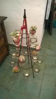 Blumenetagere, Lichtetagere, Gußeisen