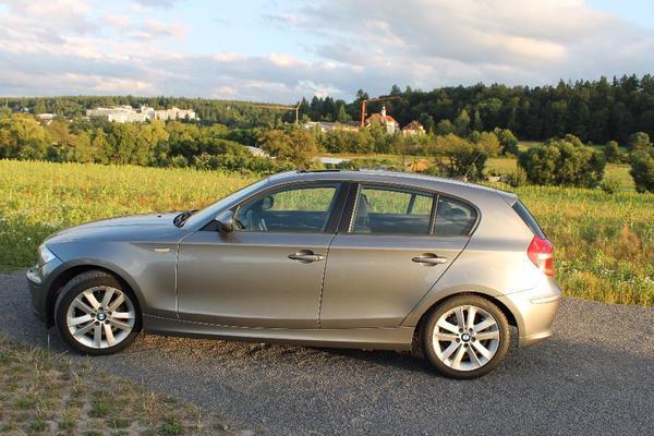 BMW 120d Automatik-TÜV NEU - Waldbronn - BMW, 120, Limousine, Diesel, 130 kW, 61.000 km, EZ 02/2011, Automatik, Grau Metallic, Scheckheftgepflegt, Nichtraucherfahrzeug. Unfallfrei, XENON-LICHT, 6-Gang- AUTOMATIK, Klimaautomatik, GLASSCHIEBEDACH, SITZHEIZUNG, höhenverst. Fahrersitz/B - Waldbronn