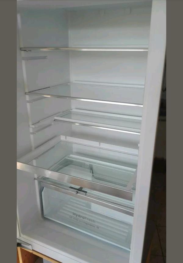 Bosch Einbaukühlschrank A+++, sehr gut in Waldaschaff - Kühl- und ...