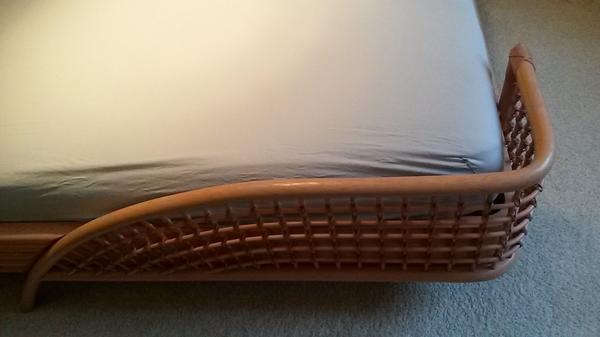 design rattanbett 200x200 sehr hochwertig 2 passende edle nachttische in karlsruhe betten. Black Bedroom Furniture Sets. Home Design Ideas
