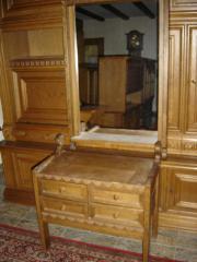 Details zu GARDEROBEN-SET: Schubladenschrank / Spiegel mit Ablage / Schnitzerei /Eichenholz gebraucht kaufen  Weilerswist