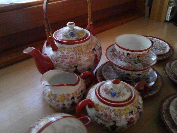 Edles japanisches Teeservice » Geschirr und Besteck