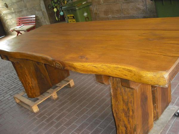 EICHE Tisch MASSIV RUSTIKAL Schwer in Oberderdingen   Gartenmöbel