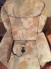 Elektronisch verstellbarer Sessel