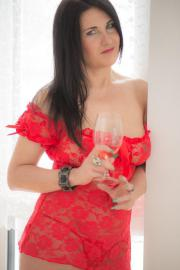 Escort-Partnerin Lina