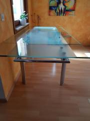 Esszimmertisch aus Glas (