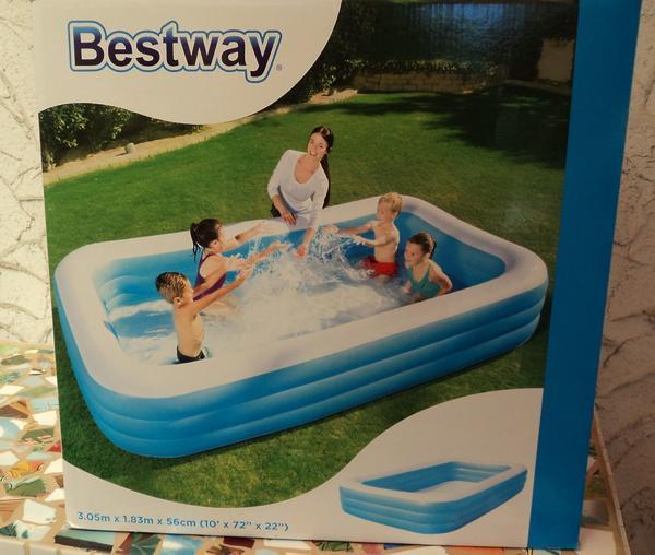 Family-Pool / 305 x 183 x 56 cm von Bestway - Oberasbach - Pool von Bestway, 305x183x56 cm, fast wie neu,nur 1x benutzt in Original-Verpackung.Kann evtl. versendet werden, zusätzliche Versandkosten (Hermes Versand) 6,00 EURPrivatverkauf, keine Garantie und keine Rücknahme - Oberasbach