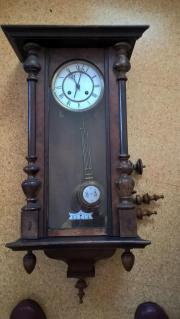 Großmutter Uhr zu