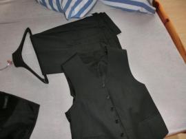 Herrenanzug wie NEU: Kleinanzeigen aus Oberrot - Rubrik Festliche Abendbekleidung, Damen und Herren