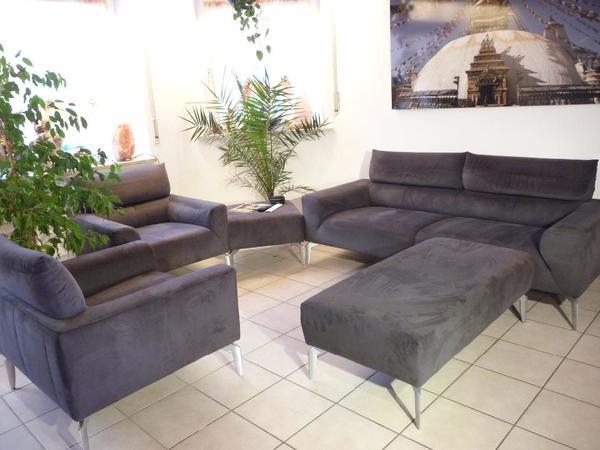 hochwertige polstergarnitur: großes sofa mit 2 bequemen sesseln, Hause deko